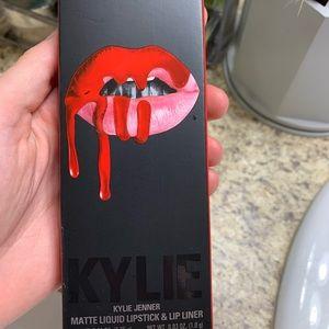 "Kylie cosmetics lip kit in ""Boss"". BRAND NEW"